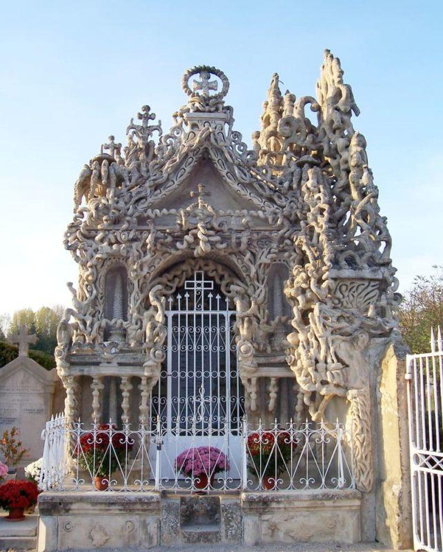 Tombe du Facteur Cheval construit de ses propres mains